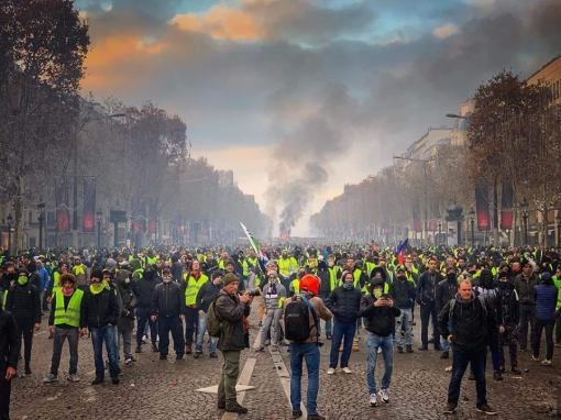 paris fuel riots 2.jpg.jpg